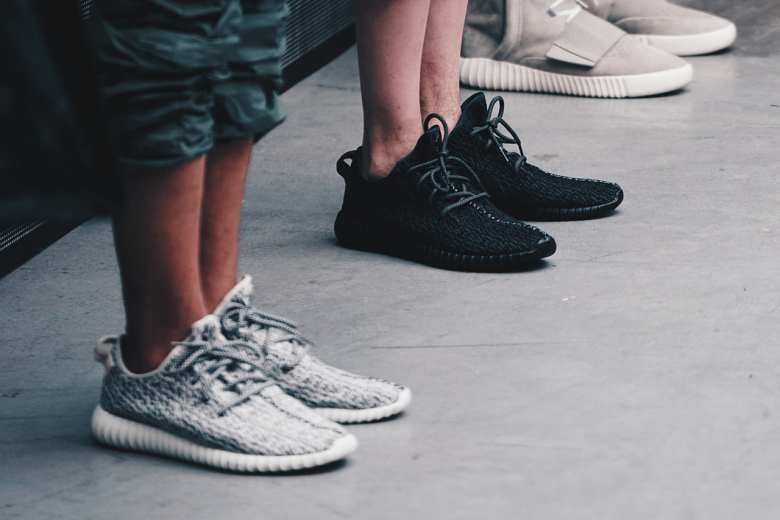 Adidas-yeezy-boost-350-black-2